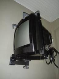 Vende se uma tv marca semp toshiba por 180 reais