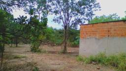 Casa com terreno enorme bom para chacara ou kitnet