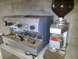 Máquina de café espresso FAEMA