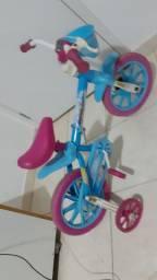Vendo bicicleta infantil para 3  anos