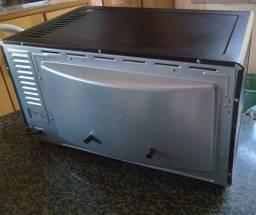 Vendo esse forno elétrico, só tem 2 meses de uso.