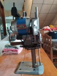 Maquina de Corte de tecidos