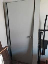 Porta de Divisória  de PVC com fechadura e chave