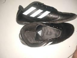 Chuteira Adidas n.39