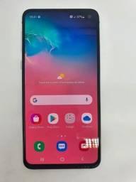 Título do anúncio:  Samsung Galaxy S10E 128GB perfeito estado c/garantia e até 12x