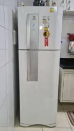 Título do anúncio: Refrigerador Electrolux Frost Free DF42 Branco 382L