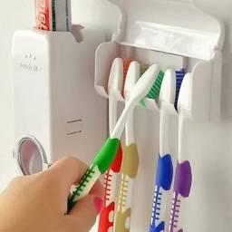 Dispenser pasta de dente e escova de dente