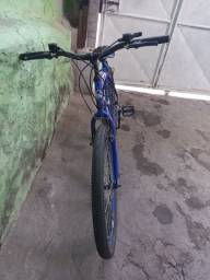 Bicicleta aro 26  de  marcha e rolamento