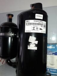 Compressor 12.000btus novo na caixa gás r22