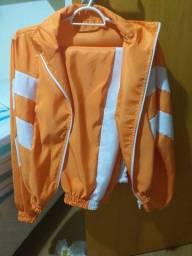 Conjunto calça e jaqueta táctil