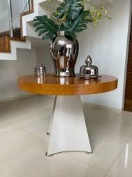 Mesa (madeira e couro)