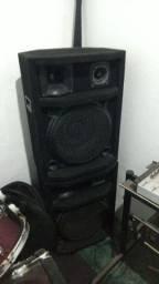 Mesa de som com caixas