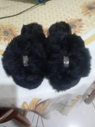 Lindas chinelufas e sandalias customizadas
