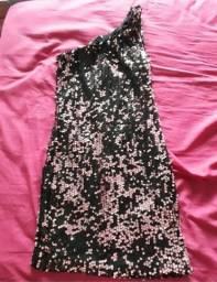 Vestido curto preto e rosa paetê