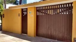 Oportunidade, Casa Jardim do Horto, frente Escola Monteiro Lobato, 3 quartos + dce