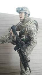 Boneco militar mcfarlane importado