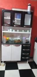 Vendo um armário de cozinha em perfeito estado com menos de dois meses de uso