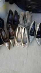 Lotes de sapatos lindos
