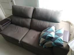Sofá retrátil e reclinável impermeabilizado
