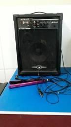 Vendo essa caixa amplificada 150 wts