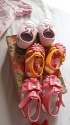 Vende-se sandálias PIMPOLHO e Sapatinho baby