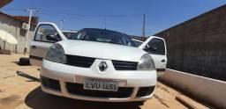 Vende_se Renault Clio sedan ano 2006 R$ 10.000 - 2006