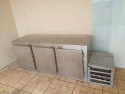Balcão Refrigerado De Encosto 3 portas