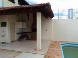 Casa com 3 dormitórios para alugar, 400 m² por R$ 2.900,00/mês - Jardim América - Bauru/SP