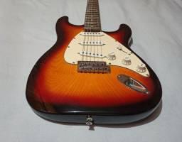 Guitarra Dolphin Stratocaster Sunburst