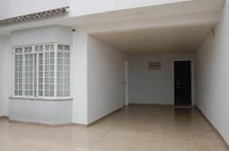 8002 | Sobrado à venda com 3 quartos em Jd. Higienópolis, Maringá