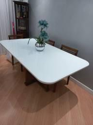 Título do anúncio: Mesa branca com vidro com bordas arredondadas e pés em madeira ( SEM CADEIRAS)