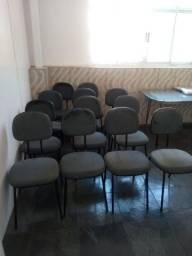 Cadeiras mesas e armário para armários para escritóri