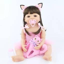 Bebê Reborn Cabelos Compridos com gatinho