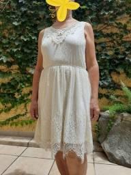 Vestido marfim de renda