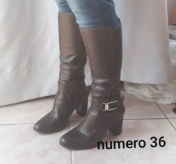 BOTA FEMININA EM COURO LEGITIMO NÚMERO  36