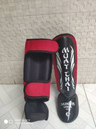 Caneleira de Muay Thai