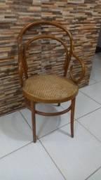 Título do anúncio: Linda cadeira antiga 350 negociavel
