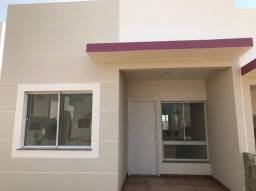 Condomínio Fechado de casas com 2/4 e suíte