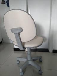 Cadeira de estudo cor branco perolado
