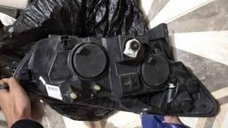 Farol Gran Siena lado esquerdo original nada quebrado apenas marcas de uso na lente 250