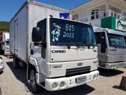 Título do anúncio: Cargo 815 ano 2011 com bau 5,40