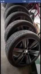 Rodas com pneus novos aro 22