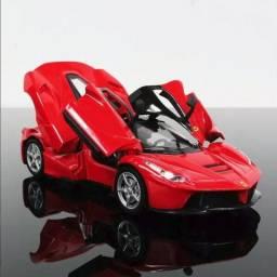 Miniatura Ferrari Vermelha Coleção Escala 132 Red