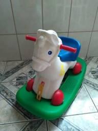 Cavalinho de balanço bandeirante