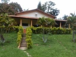 Oportunidade Única para sua Chacrinha, 2200 m² com Casa construída c/3 quartos! DN