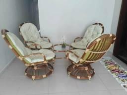 Conjunto: 4 cadeiras + centro
