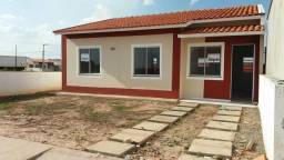 Casa estilo colonial com 3 quartos sendo uma suíte