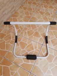 Equipamento para exercício abdominal guiado