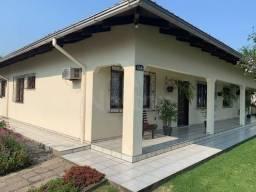 Casa à venda no bairro Água Verde - Jaraguá do Sul/SC