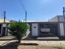 Casa para aluguel, 3 quartos, 4 vagas, Centro - Campo Grande/MS